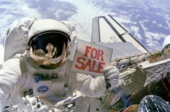 space-shuttle-astronaut-613045_1920